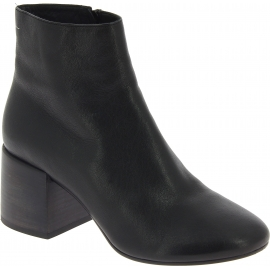 Maison Margiela Women's heels ankle boots in black leather with side zip