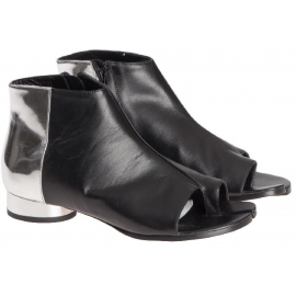 Maison Margiela women's ankle boots in black Leather